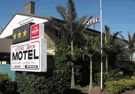 Flying Spur Motel - Tourism Cairns