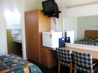 Sandbelt Club Hotel - Tourism Cairns