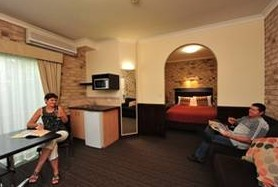 Highlander Motor Inn And Apartments - Tourism Cairns