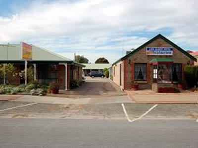 Lake Albert Motel - Tourism Cairns