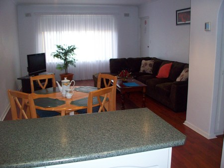 AA Madalena Court Holiday Apartments - Tourism Cairns