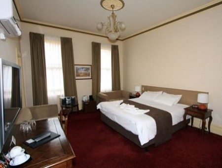 Glenferrie Hotel - Tourism Cairns