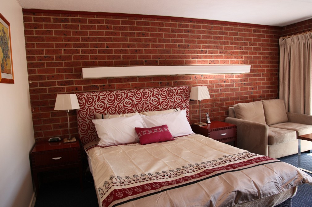 Carnegie Motor Inn and Serviced Apartments - Tourism Cairns