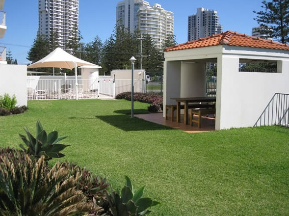 Golden Sands Holiday Apartments - Tourism Cairns