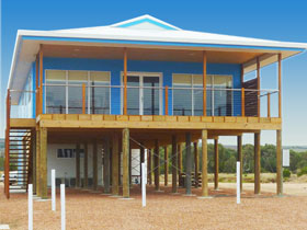 Lincoln View Holiday Home - Tourism Cairns