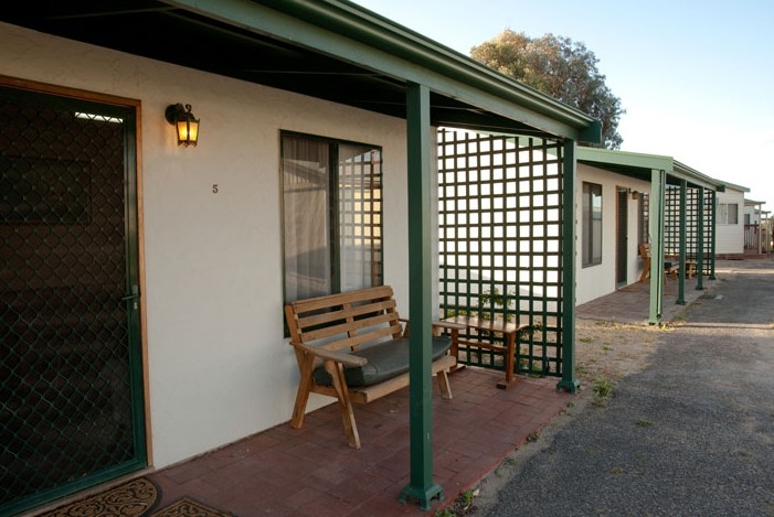 Moonta Bay Road Cabins and Cottages - Tourism Cairns