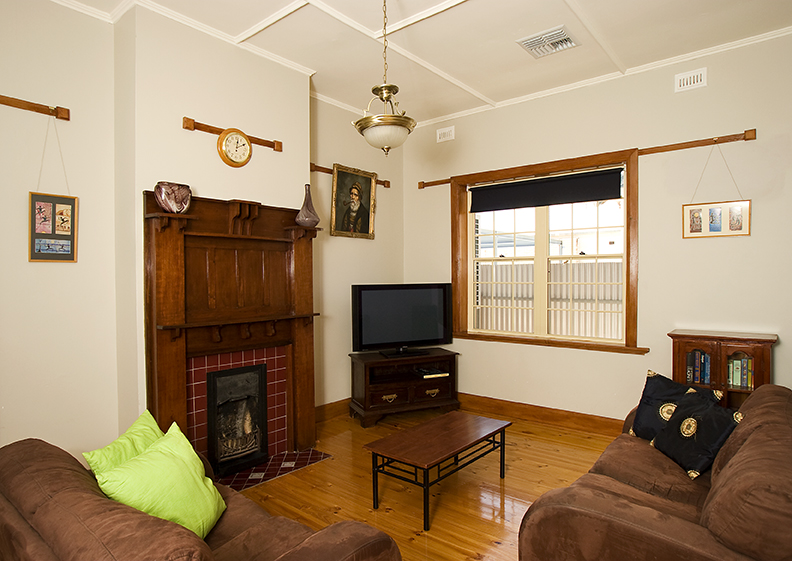 Semaphore Beach House - Tourism Cairns