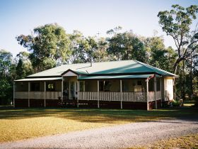 Applegarth Bed and Breakfast - Tourism Cairns
