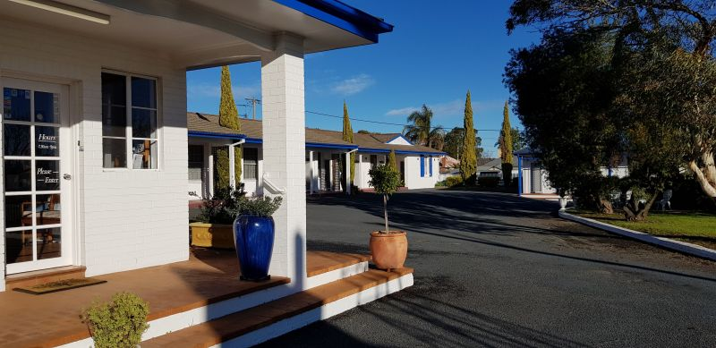 Colonial Motel - Tourism Cairns