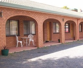 Cooma Country Club Motor Inn - Tourism Cairns