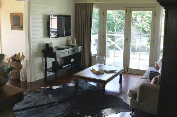 Book Barn Cottage - Tourism Cairns