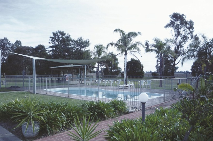 Aaroona Holiday Resort - Tourism Cairns