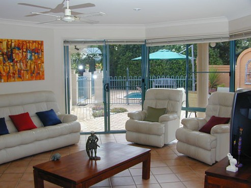 Golden Cane Bed and Breakfast - Tourism Cairns