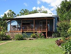 Blue House Family Accommodation - Tourism Cairns