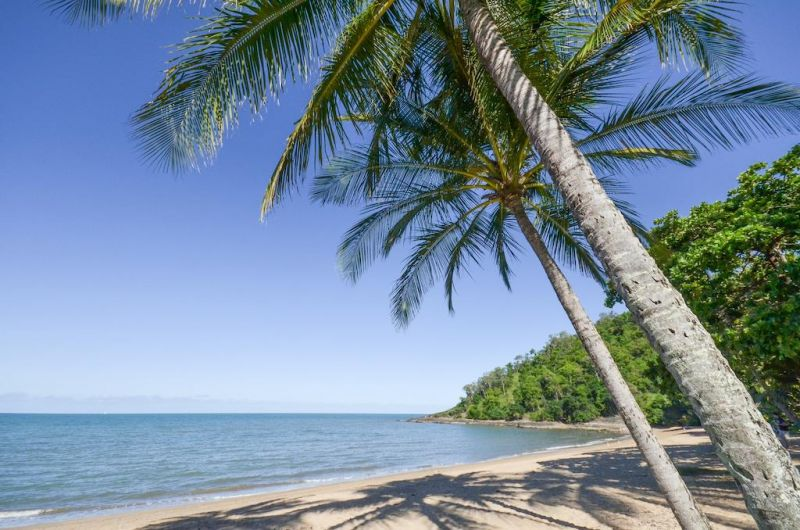 Roydon Beachfront Holiday Apartments - Tourism Cairns
