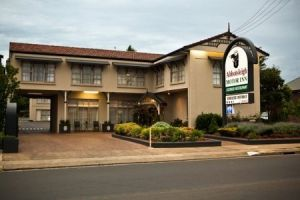 Abbotsleigh Motor Inn - Tourism Cairns