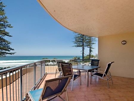 Coolum Baywatch Resort - Tourism Cairns