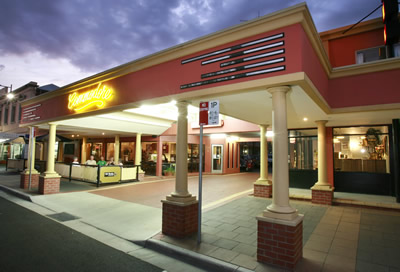 The Commodore Motor Inn - Tourism Cairns