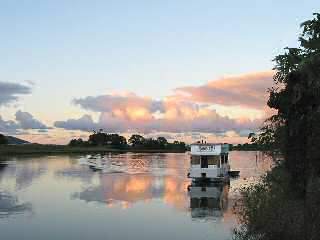 Tweed River Houseboats - Tourism Cairns