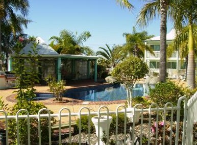 Reef Adventureland Motor Inn - Tourism Cairns