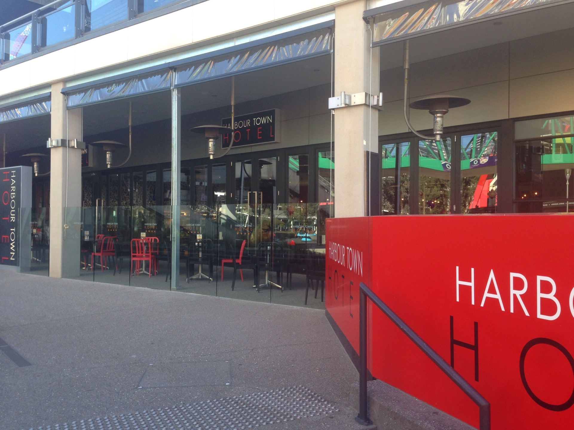 Harbour Town Hotel - Tourism Cairns