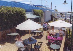 Top Of The Town Hotel - Tourism Cairns