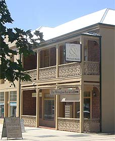 Cobb  Co Court Boutique Hotel - Tourism Cairns