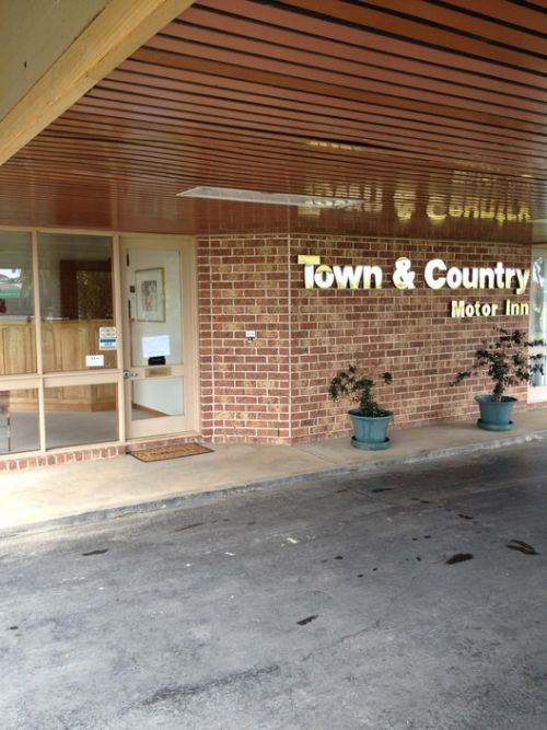 Town amp Country Motor Inn Forbes - Tourism Cairns
