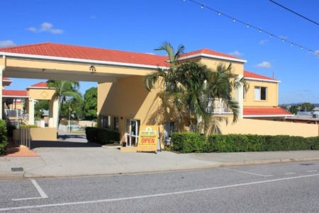 Harbour Sails Motor Inn - Tourism Cairns