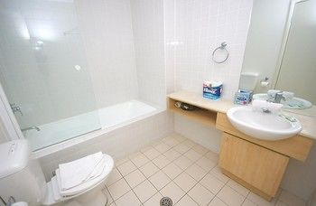 Homebush Bay 125 Ben Furnished Apartment - Tourism Cairns