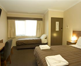 Seabrook Hotel Motel - Tourism Cairns