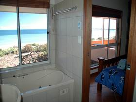 Ceduna Shelly Beach Caravan Park and Beachfront Villas - Tourism Cairns