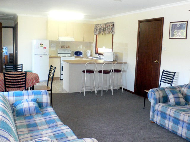Back O' Bourke Accommodation - Tourism Cairns