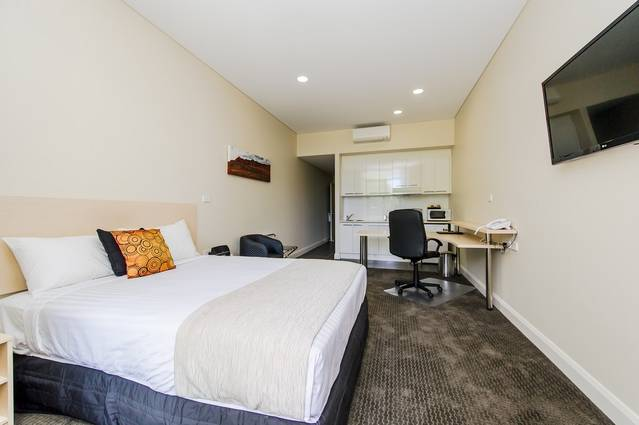Belconnen Way Motel  Serviced Apartments - Tourism Cairns