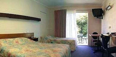 Corlette Palms Motor Inn - Tourism Cairns