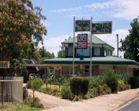 Garden Court Motor Inn - Tourism Cairns