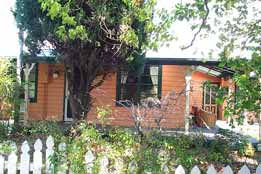 Times Past Bed  Breakfast - Tourism Cairns