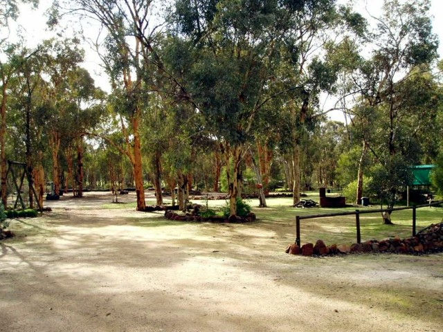 Toodyay Holiday Park  Chalets - Tourism Cairns