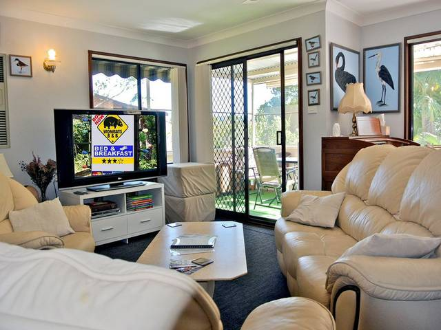 WOMBATS BB - Apartments - AAA 3.5 rated Gosford - Tourism Cairns