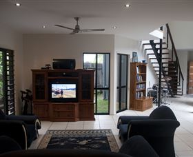 Dolphin Beach House - Tourism Cairns