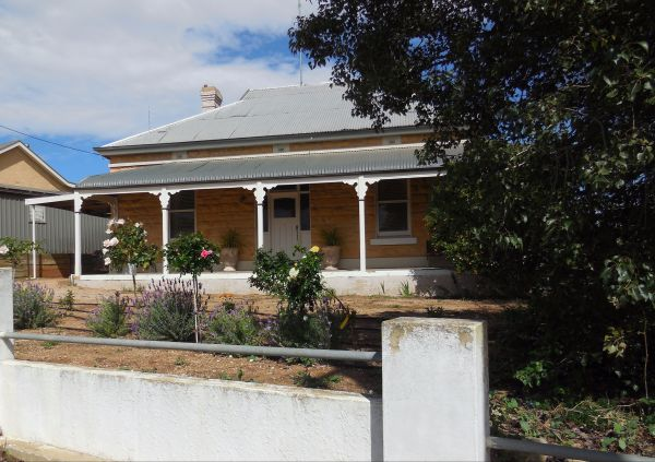 Book Keepers Cottage Waikerie - Tourism Cairns