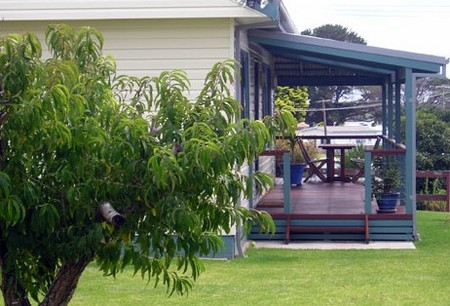 Anchor Bay Motel - Tourism Cairns