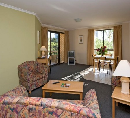 Kingston Court Serviced Apartments - Tourism Cairns