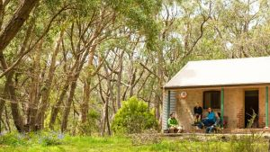 Mount Lofty Cottage YHA - Tourism Cairns