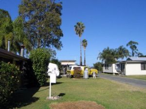 Browns Caravan Park - Tourism Cairns