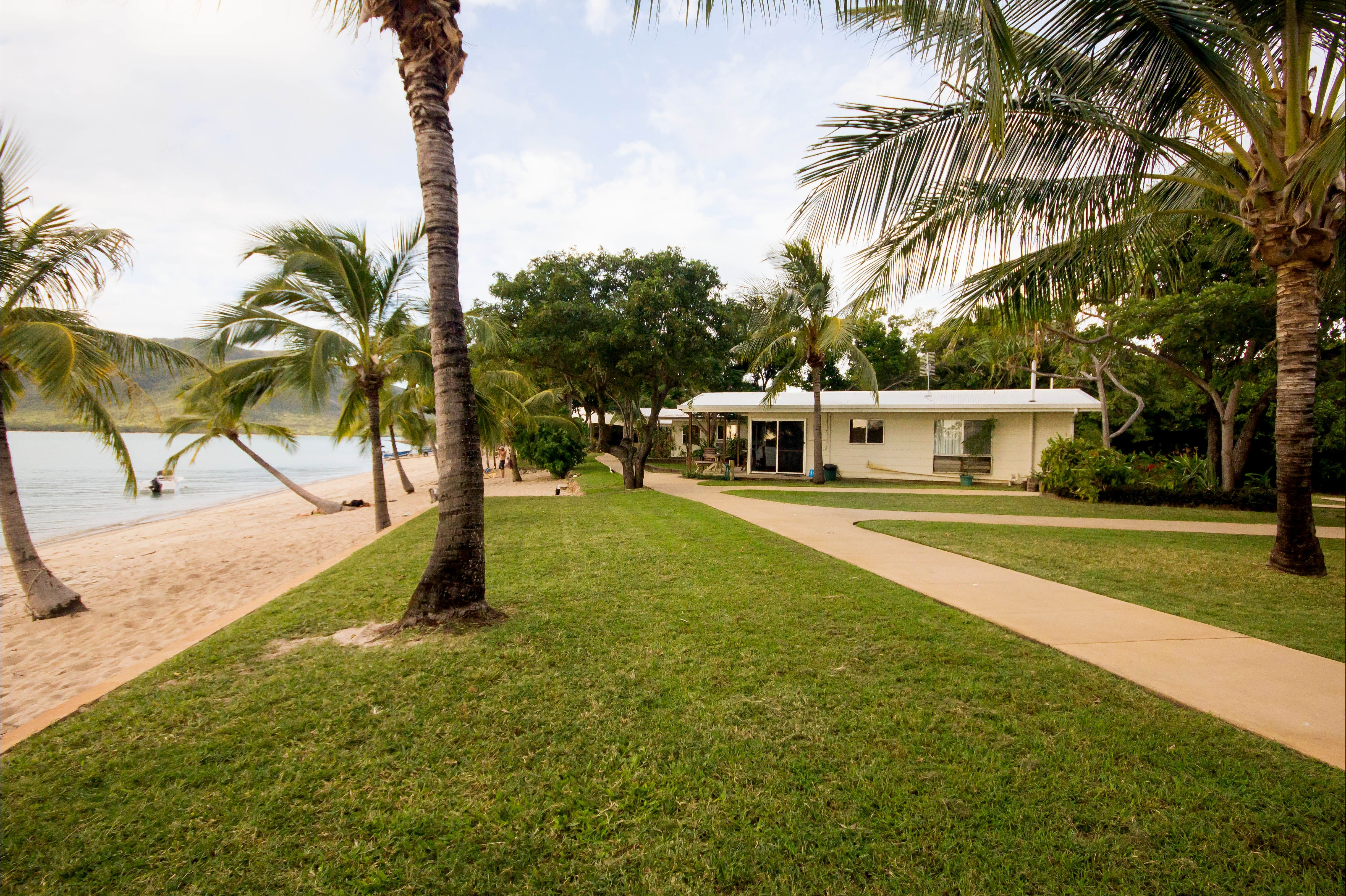 Montes Reef Resort - Tourism Cairns
