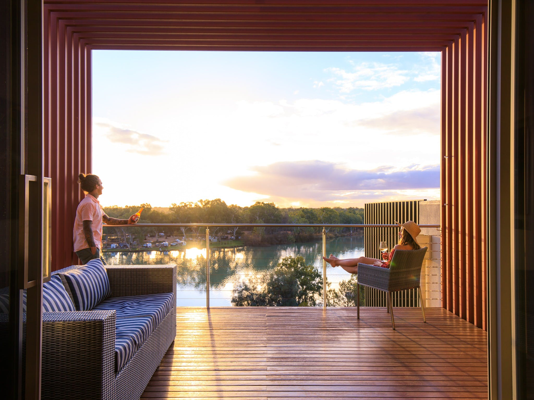 The Frames - Luxury Riverland Accommodation - Tourism Cairns