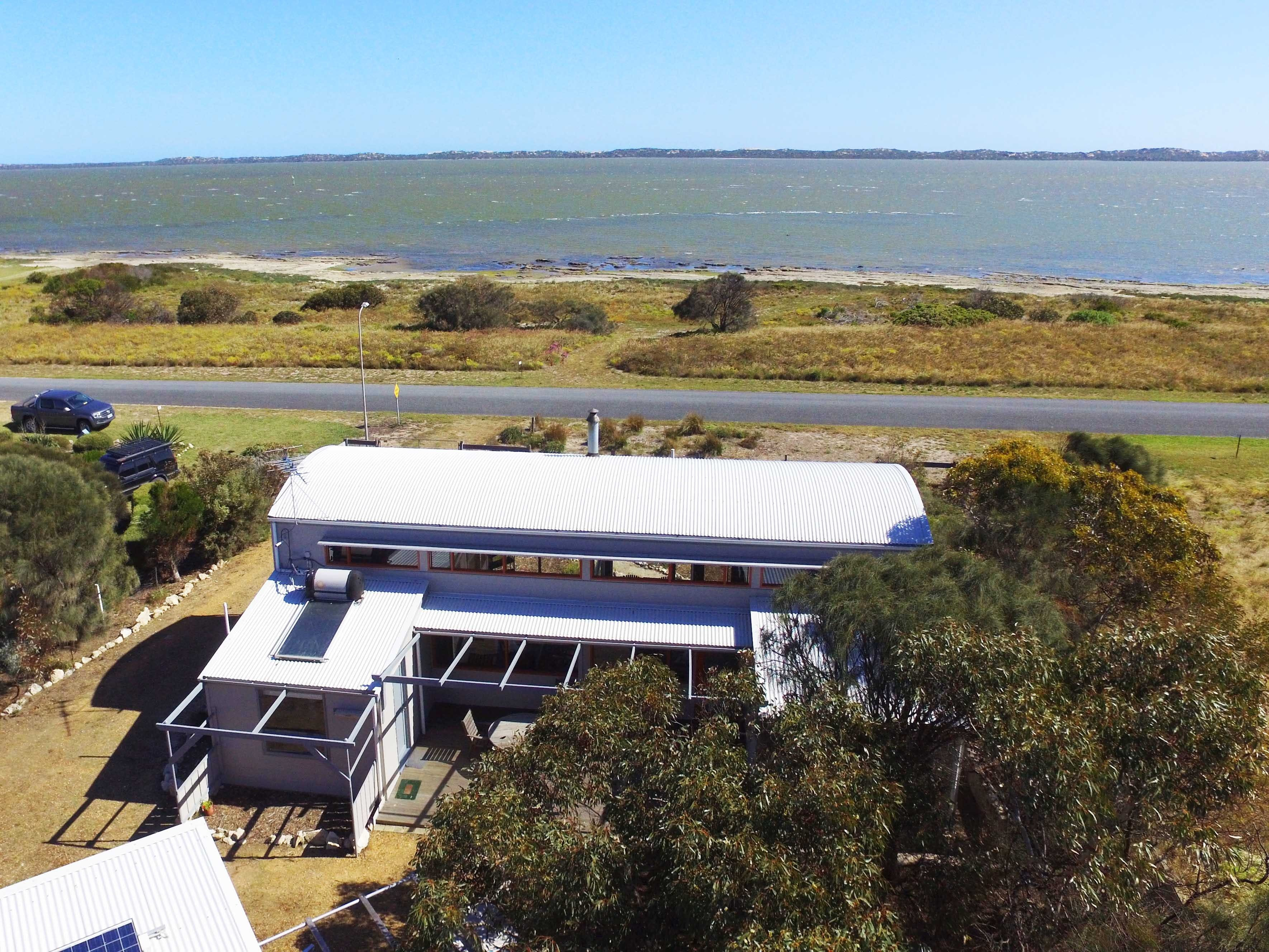 Coorong Aurora - Breathtaking Waterfront Escape - Tourism Cairns
