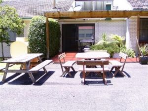 Acacia Motor Inn - Tourism Cairns