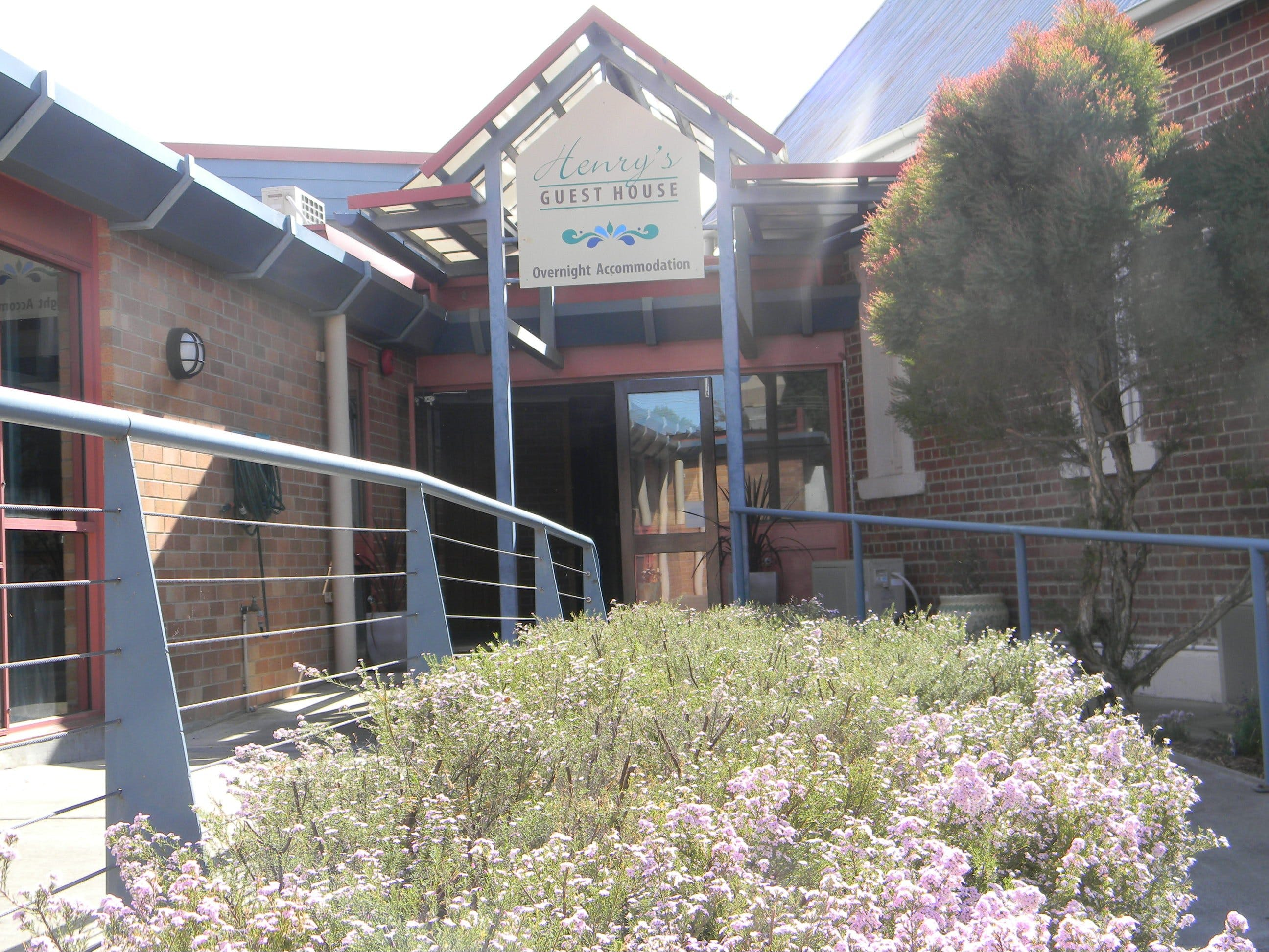 Henry's Quirindi Quality Accommodation - Tourism Cairns